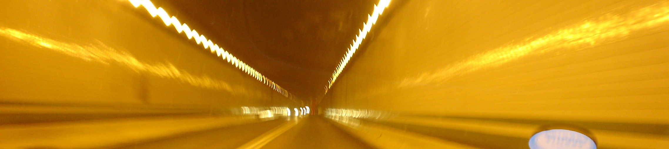 http://www.bartlebysnopes.com/_wizardimages/picture%20of%20tunnel%20take%202.JPG